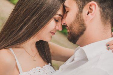嫁の話をしない男は何を考えてるの?不倫中の既婚男性が奥さんや家族、子供の話をしたり、しない男性心理を徹底分析