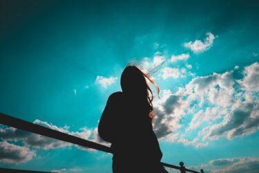 ツインレイのチェイサーとは?使命や冷めたり諦めそうになる理由や自立と手放しの段階、覚醒と症状の事まで完全紹介